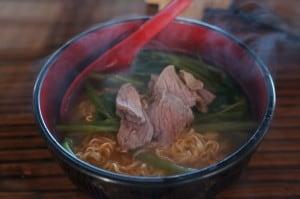 朝食(無料)のカンボジアラーメン