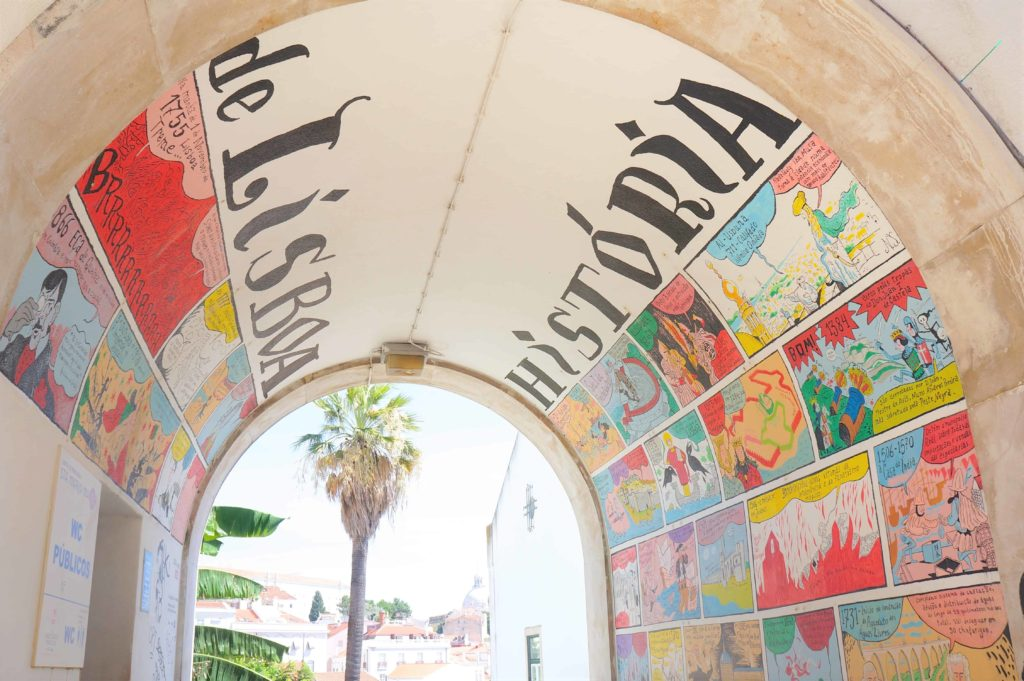 WC, Near Portas do Sol, Lisboa
