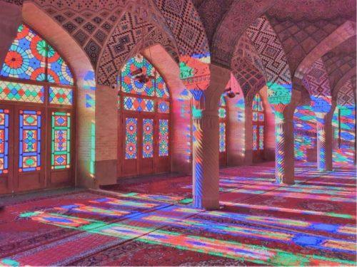 イラン ピンクモスク 晴れの日