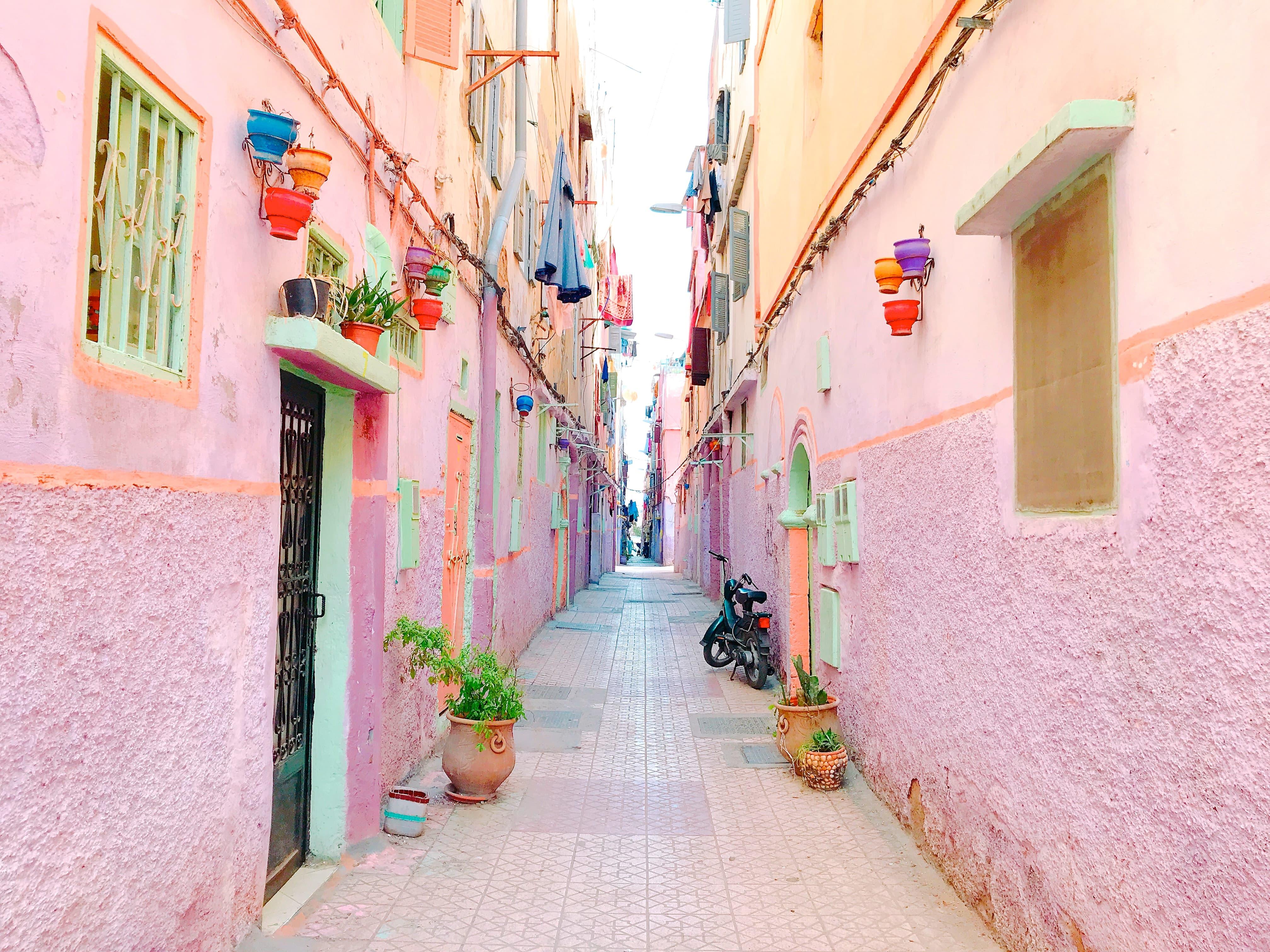 モロッコ カサブランカのカラフルタウン
