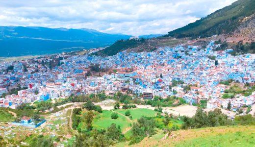 青い街並みが一望できる丘 / シャウエン / モロッコの写真素材