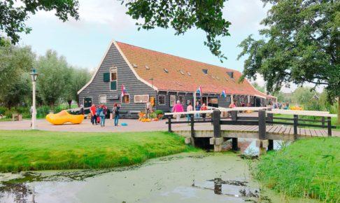 オランダ ザーンセスカンスの木靴のお店