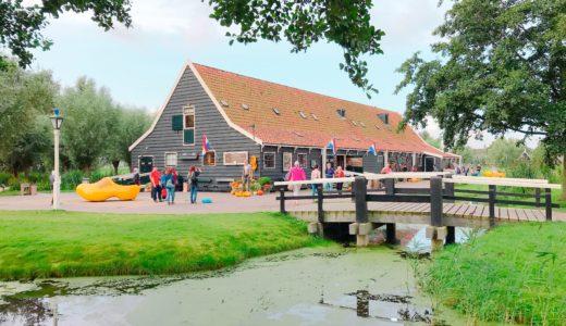 有名な木靴のお店 / ザーンセスカンス / オランダの写真素材