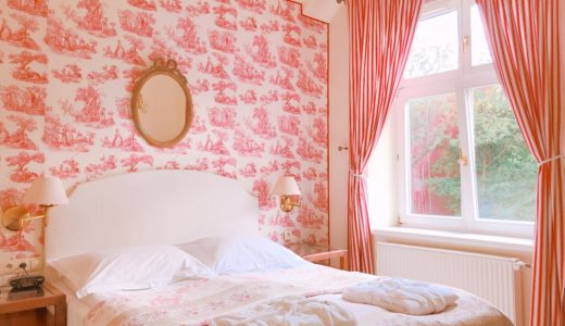 トワルドジュイ柄のお部屋のホテル / クラクフ / ポーランドの写真素材