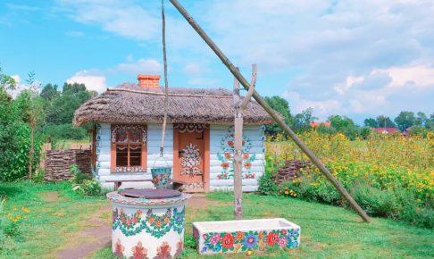 ポーランド ザリピエ村の文化センター